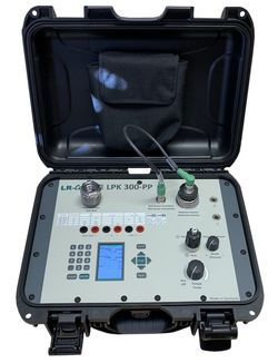 LR-Cal LPK 300-PP pressure calibration case with electric pressure/vacuum pump